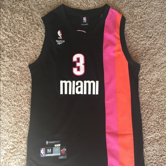 official photos ac582 3fb50 Throwback Miami Heat Jersey - Dwyane Wade